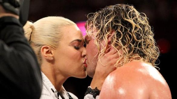 Kana Kisses Ziggler